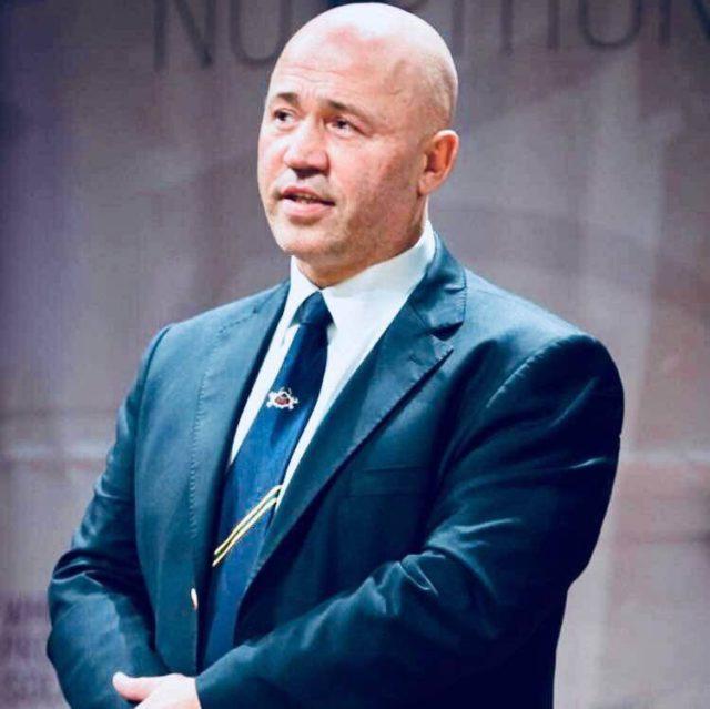 Wedstrijdcommissaris en Tuchtcommissie Mike Tekcandan