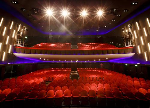 IFBB wedstrijd in het Gooiland Theater in Hilversum